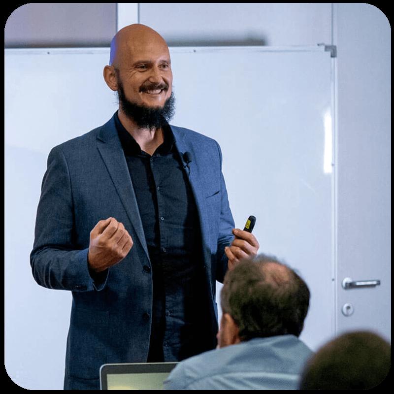 Martin Korosec -Digitalni Marketing od A do Ž in spletna prodaja. Izobraževalni dogodki, osebno svetovanje, izdelava spletnih strani,...
